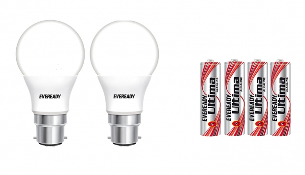 Eveready 7Watt LED Bulb (Pack of 2) with Free 4 AAA Batteries